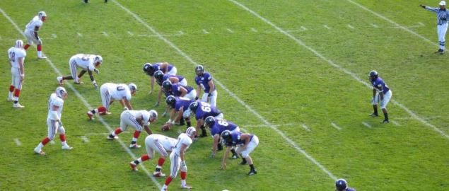 Holy Cross playing Brown in a 2006 regular season game.