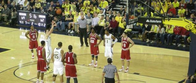 In-game action during the Indiana Hoosiers vs. Michigan Wolverines.