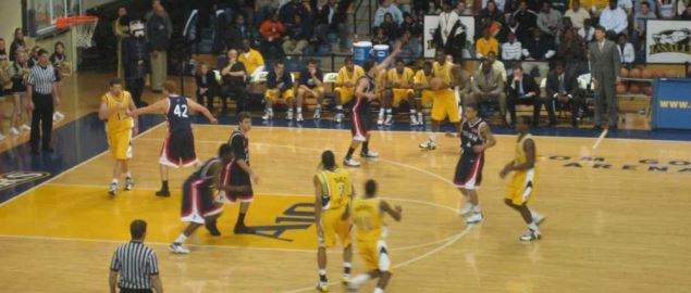 La Salle vs the University of Pennsylvania at Tom Gola Arena.