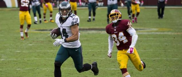 Riley Cooper of the Eagles running against the Washington Redskins