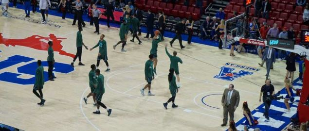 Tulane warming up before the Tulane Green Wave vs. Southern Methodist Mustangs game.