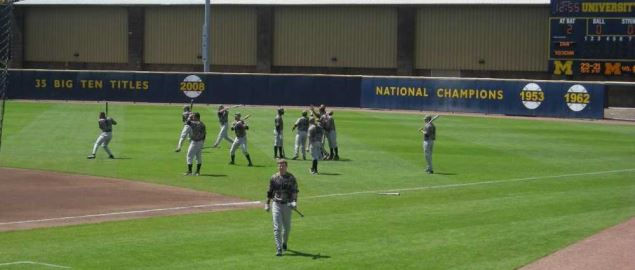 Iowa Hawkeyes warming up before a game vs Michigan.
