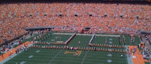 the 'T' ; Tennessee Volunteers football.
